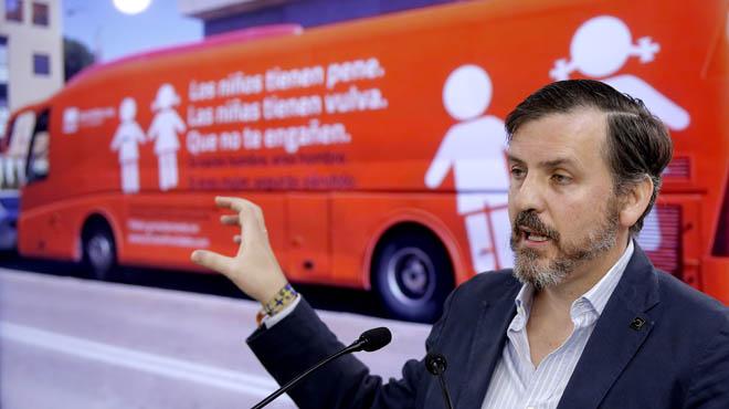 Hazte Oír traurà una altra vegada l'autobús trànsfob amb altres missatges
