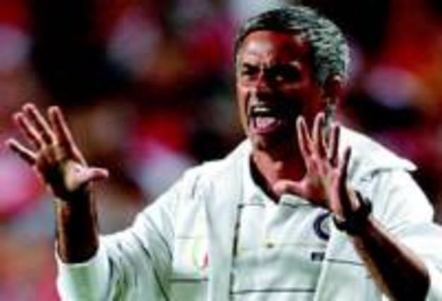 INTER DE MIL�N: Mourinho, el ant�doto para acabar con la maldici�n