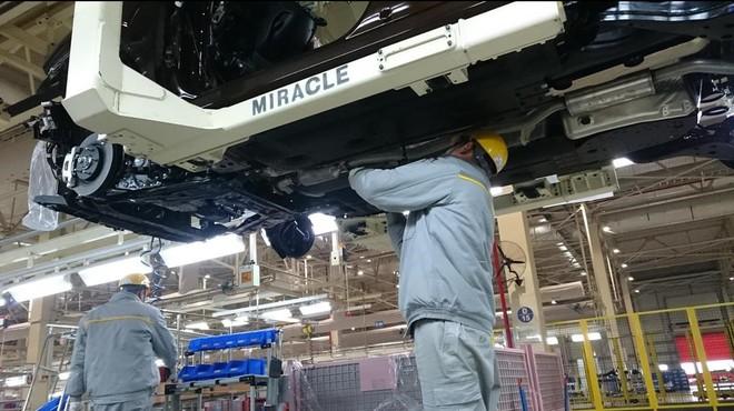 Un trabajador en la f�brica de Renault en la ciudad china de Wuhan.
