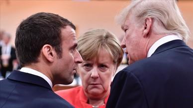 Macron para l'alfombra vermella per rebre Trump el dia de la Festa Nacional Francesa