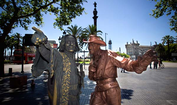 Las estatuas de la Rambla cambian de ubicacin