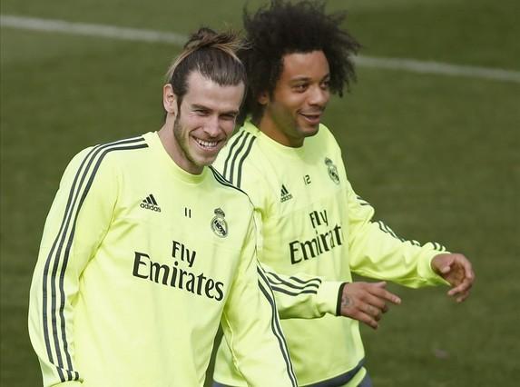 Gareth Bale y Marcelo, durante el entrenamiento de este viernes en la ciudad deportiva de Valdebebas