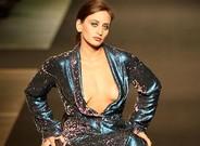 La foto de la modelo parapl�jica Manuela Migliaccio censurada por Facebook por ense�ar un pez�n.