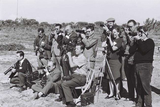Joana Biarn�s, envoltada de fot�grafs. FONT: RTVE