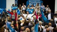 Aznar insta a frenar l'èxode popular