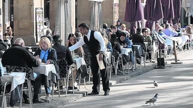 La FAVB pide menos terrazas y más espacio de uso público