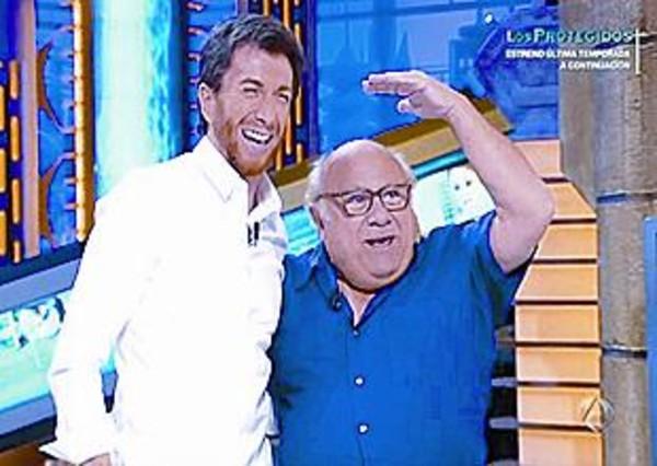 ¿Cuánto mide Danny Devito? - Real height Motos-midio-con-danny-devito-hormiguero-a-3-1331414240796
