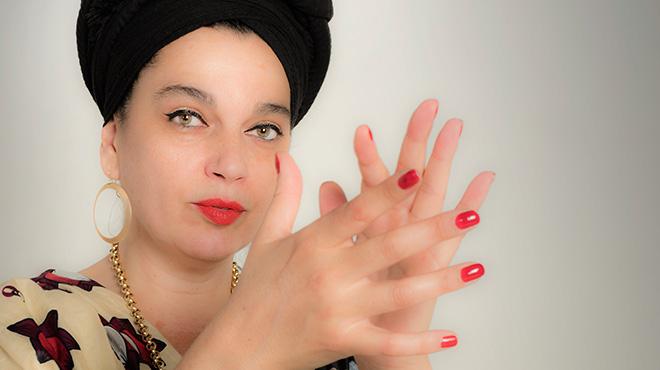 Marinah interpreta 'Saca la luz' en acústico para 'On Barcelona'.