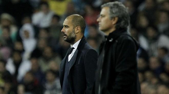 Pep Guardiola y Jos� Mourinho, en uno de sus enfrentamientos Bar�a-Madrid.