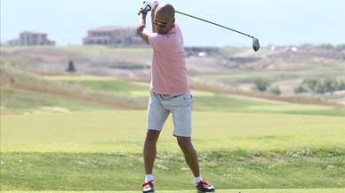 Pep Guardiola juega a golf durante unas vacaciones en Italia, en el 2011.