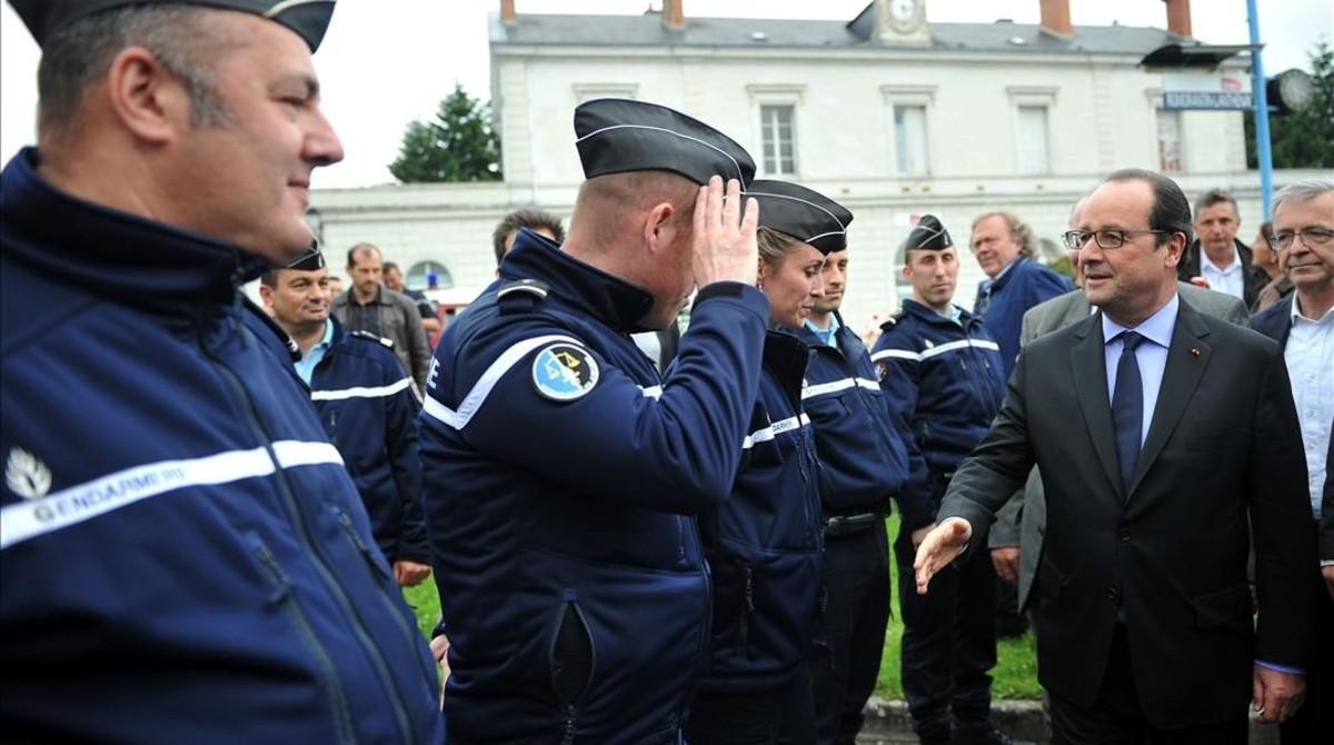 """Hollande: """"El riesgo de atentado en la Eurocopa existe"""""""