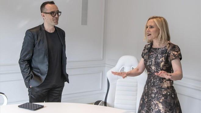 El publicista Risto Mejide y la directora de operaciones de Instagram, Marne Levine, en Barcelona.