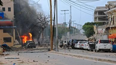 Fuego en el lugar donde Al Shabab ha perpetrado el atentado