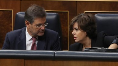 "Santamaría exigeix a Puigdemont ""diàleg al Congrés"""