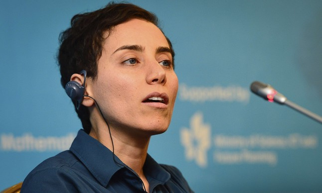 La matemática de origen iraní Maryam Mirzakhani habla durante la conferencia de prensa el 13 de agosto de 2014