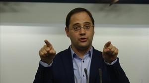 El número dos del PSOE, César Luena, este lunes tras la ejecutiva del partido.