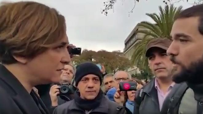 Pitada de los trabajadores del metro de Barcelona a Ada Colau
