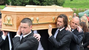 mroca34592715 actor jim carrey at the burial of cathriona white in cappawh160920123423
