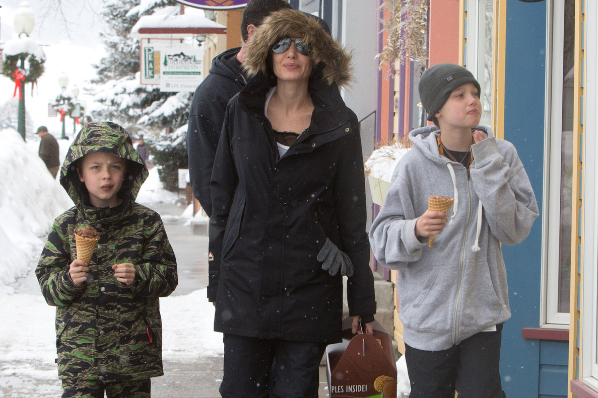 Angelina Jolie disfruta de la neu i els seus fills a Colorado