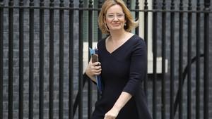 Amber Rudd, ministra del Interior, a su llegada a Downing Street para una reunión ministerial, el 18 de julio.