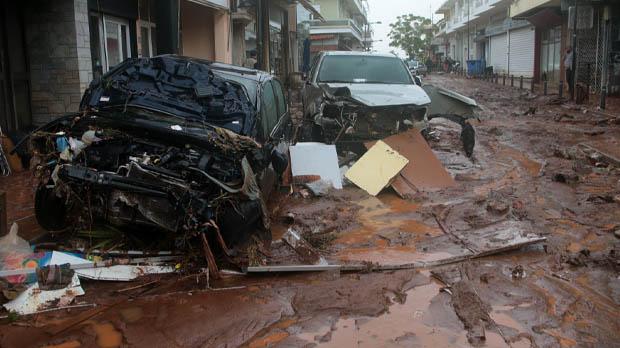 Almenys 15 morts a Grècia per les pluges torrencials