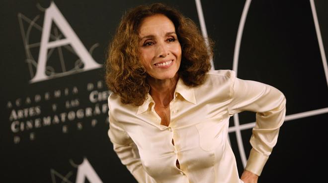 Ana Belén rep el Goya d'honor... i demana feina