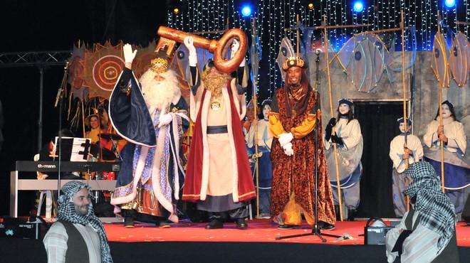 La cavalcada dels Reis d'Orient omplirà de música i caramels els carrers d'Esplugues