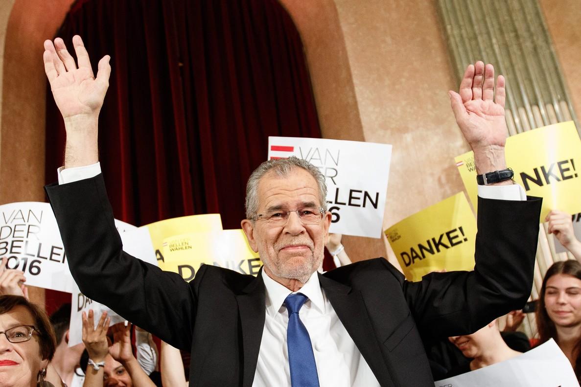 Los ecologistas ganan la presidencia de Austria a la ultraderecha en el último momento