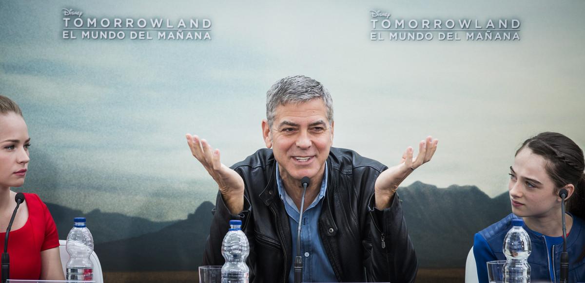 Clooney recapta diners per a Clinton sortejant invitacions per a una festa amb ell