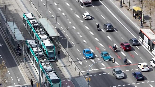 El tramvia per la Diagonal inicia el seu periple polític