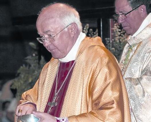 Primer juicio en el Vaticano a un exarzobispo pederasta