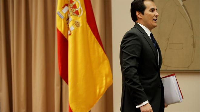 """El número dos d'Interior es declara víctima d'una """"cacera"""" per la seva reunió amb Pablo González"""