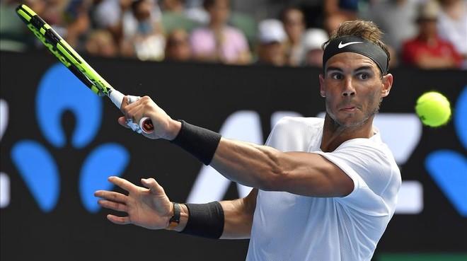 Rafa Nadal exhibió un gran golpe de derecha ante Mayer en Australia.