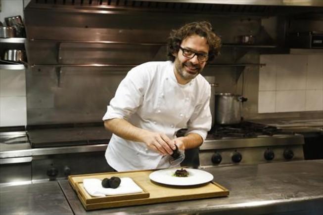 Oriol Ivern (Hisop) prepara un menú de mediodía laborable por 32 euros.
