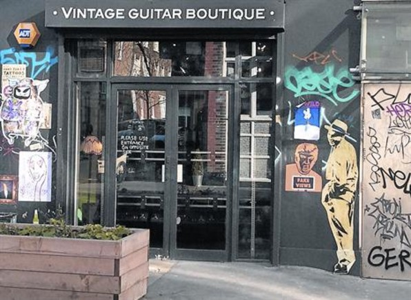 TIENDAS 'COOL' La fauna 'hipster' ha transformado el exmugriento Shoreditch. Sobreviven los grafitis, pero hoy es imán de locales de gama alta.