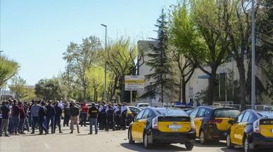 El taxi de Barcelona amenaça amb col·lapsar el port i l'aeroport aquest dijous
