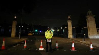 Detingut un home després de ferir dos guàrdies amb un ganivet al palau de Buckingham