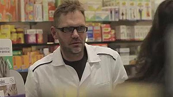Nacho Vidal se mete a farmacéutico
