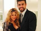 Shakira luce su �accesorio preferido�_MEDIA_1