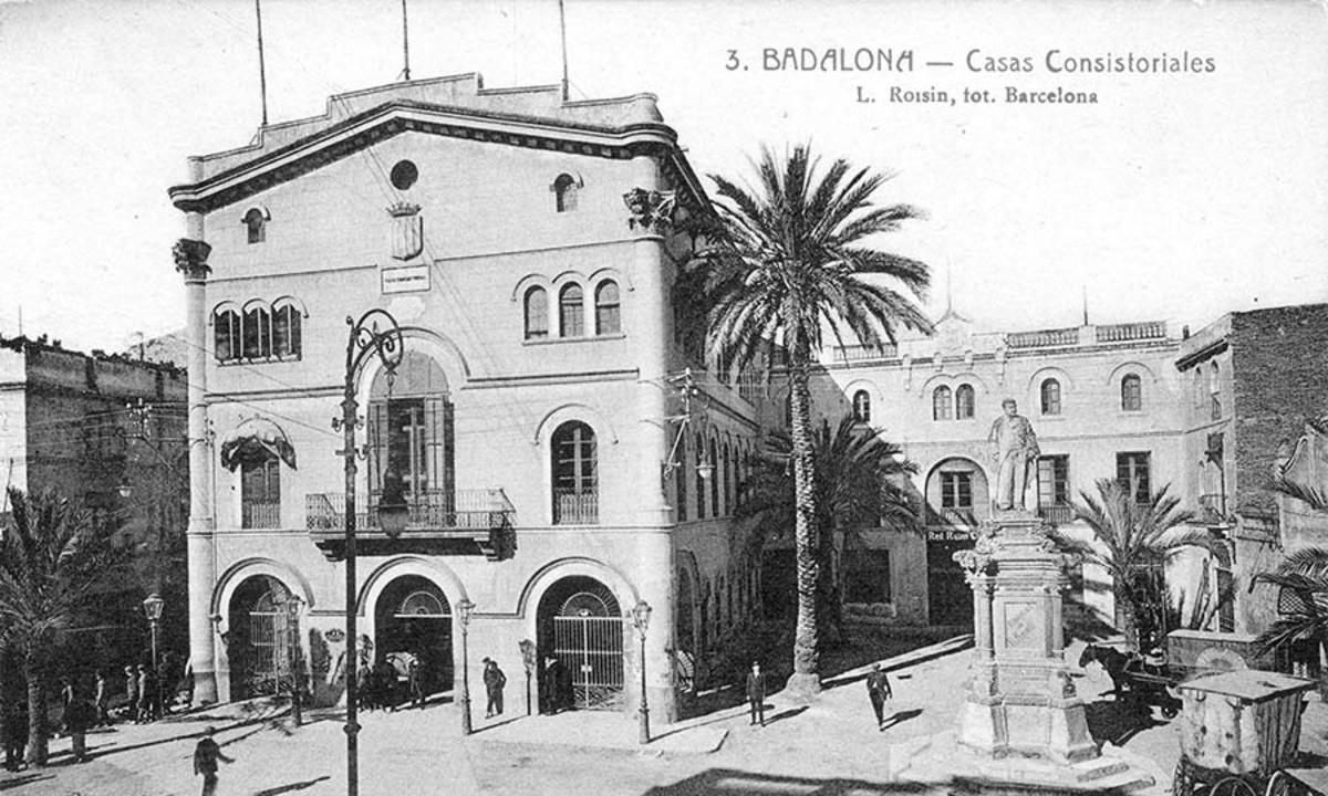 La exposición conmemora los 120 años de Badalona como ciudad.