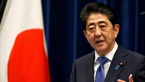 zentauroepp40276538 japan s prime minister shinzo abe attends a news conference 170925113917