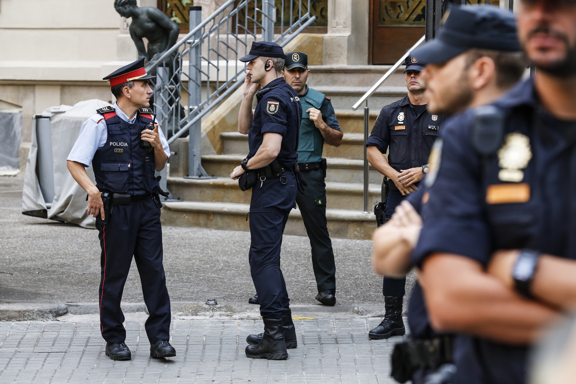 Los últimos agentes desplegados por el 1-O se van de Catalunya