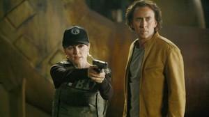 Julianne Moore y Nicolas Cage, en una escena de la película Next