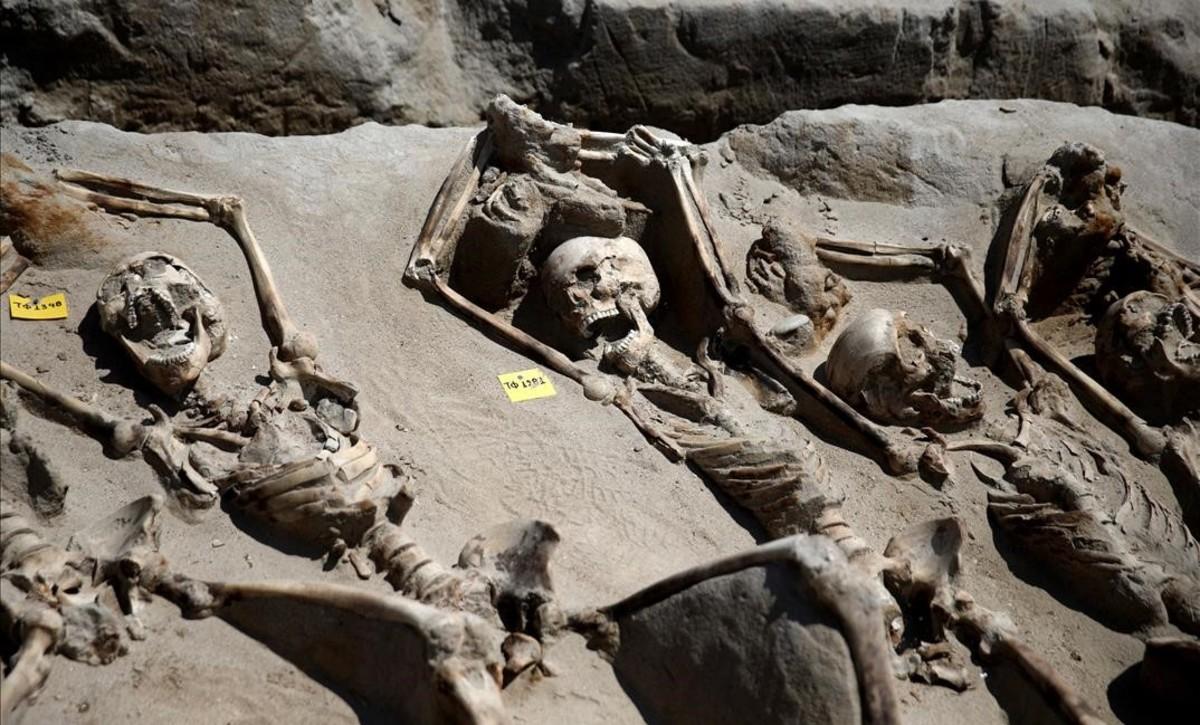 80 esqueletos maniatados sacan a la luz una ejecución en masa en el siglo VII a.C.