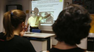 La DGT investiga possibles irregularitats en els cursos per recuperar punts del carnet