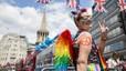 Decenas de miles de personas asisten en Londres al desfile del orgullo gay