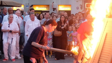 George Foreman i William Shatner passen la revetlla de Sant Joan a Gràcia