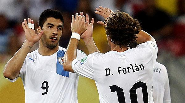 El gol de l'uruguaià Luis Suárez davant Espanya, el millor del torneig