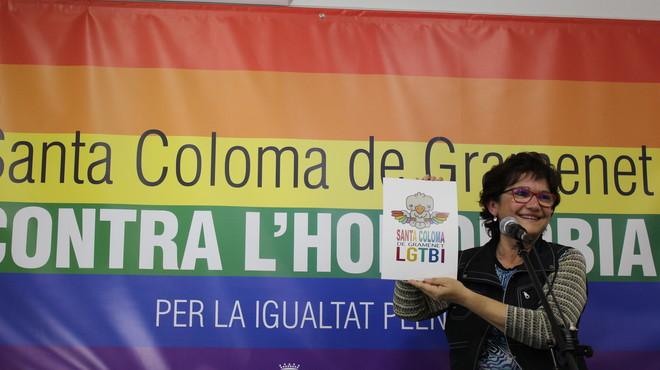 La concejala del Ayuntamiento de Santa Coloma, Petra Jim�nez, durante la presentaci�n del ciclo LGTBI.