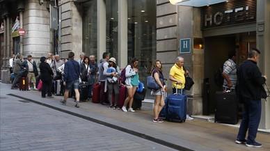 Las pernoctaciones hoteleras subieron el 19,4% en abril, hasta los 27,5 millones, por la Semana Santa